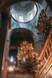 Um grande candelabro Sophia Cathedral imagens de stock royalty free