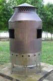 Um grande queimador de incenso de aço inoxidável incluido imagens de stock royalty free