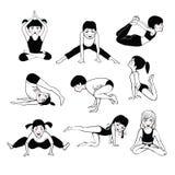 Um grupo da ioga 2 das crianças Fotografia de Stock Royalty Free