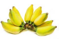 Um grupo de bananas amarelas e maduras Imagem de Stock