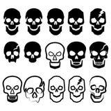 Um grupo de crânios simples preto e branco Imagens de Stock Royalty Free