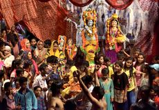 Um grupo de festiva do janmashtami da celebração dos povos foto de stock