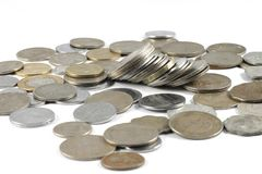 Um grupo de moedas indianas da moeda foto de stock royalty free