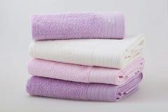 Um grupo de quatro toalhas fotografia de stock