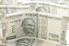Um grupo de rupias indianas fotografia de stock