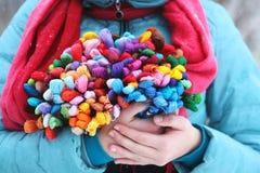 Um grupo do floss em suas mãos Imagem de Stock Royalty Free