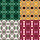 Um grupo do vetor de quatro testes padrões geométricos de repetição sem emenda florais e do círculo ilustração stock