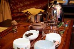 Um grupo para uma cerimônia de chá fotos de stock royalty free