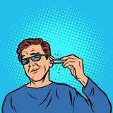 Um homem barbeia o cabelo em sua orelha ilustração stock