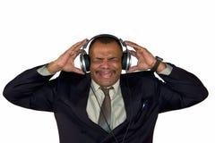 Um homem do African-American que escuta o som ruim Imagens de Stock Royalty Free