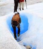 Caminhantes na geleira Imagem de Stock