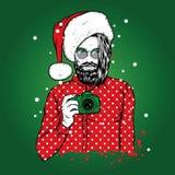 Um indivíduo considerável com uma barba em um chapéu de Santa Claus Moderno com uma câmera Ilustração do vetor ilustração stock