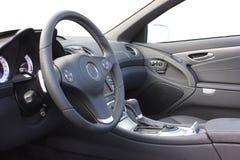 Um interior do carro