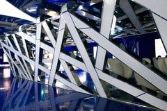 Um interior fantástico do futuro em cores de azul cinzento imagens de stock