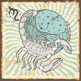 Um ist Kreis von Horoskopzeichen von Tierkreiskonstellation Jungfrau und spielt die Hauptrolle Weinlese-Horoskopkarte Stockfoto
