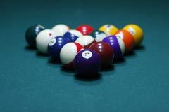 Um jogo de esferas de bilhar Imagens de Stock