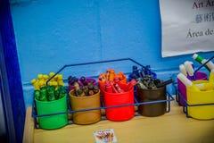 Um lápis do pastel de p ou uma vara do giz ou da cera colorida, usado tirando imagens de stock