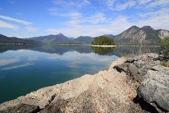 Um lago azul no bavaria imagem de stock