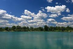 Um lago calmo foto de stock royalty free