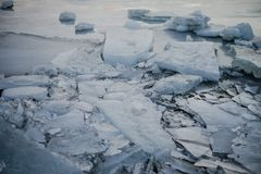 Um lago congelado em Islândia Fotografia de Stock