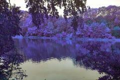 Um lago em Autuun foto de stock