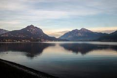 Um lago pequeno Imagens de Stock
