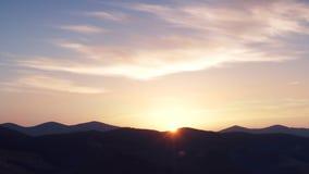 Um lapso de tempo de um nascer do sol vídeos de arquivo