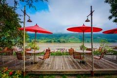 Um lugar de jantar acolhedor Imagens de Stock Royalty Free