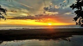 Um lugar maravilhoso para esperar o por do sol fotos de stock royalty free