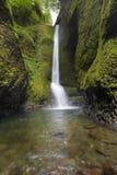 Um mais baixo Oneonta cai em Oregon imagens de stock royalty free