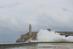 Um mar áspero em Havana Imagens de Stock