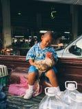 Um menino e seus amigos Fotos de Stock