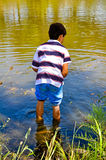 Um menino gosta de Huckleberry Finn Foto de Stock Royalty Free
