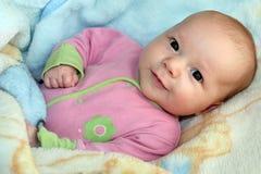 Um menino pequeno e lindo Imagens de Stock Royalty Free