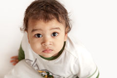 Um miúdo curioso Fotos de Stock Royalty Free