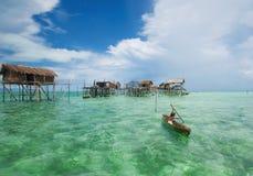 Um miúdo local do cigano do mar Fotografia de Stock