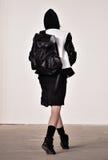 Um modelo anda a pista de decolagem no desfile de moda de Tim Coppens durante a queda dos homens da semana de moda de New York/in Imagens de Stock