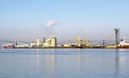 Um moinho de polpa em Longview Washington Fotos de Stock Royalty Free