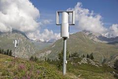 Um moinho de vento diferente no Vale de Aosta fotografia de stock royalty free