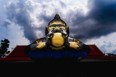 Um monstro celestial que cause elipses comendo o sol ou o mo Fotografia de Stock Royalty Free