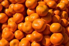 Um montão das laranjas foto de stock