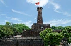 Um monumento militar em Hanoi fotografia de stock