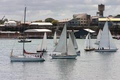 Um número de barcos de vela Fotos de Stock