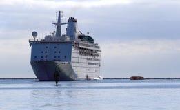 Um navio de cruzeiros Fotografia de Stock Royalty Free