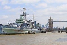 Um navio de guerra HMS Belfast no rio Tamisa, Londres, Reino Unido fotos de stock