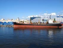 Um navio na porta de Alexandria Imagem de Stock Royalty Free