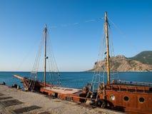 Um navio no cais Fotografia de Stock