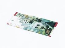 Um novo tipo de valor da cédula 20 shekels israelitas isolado em um fundo branco Foto de Stock