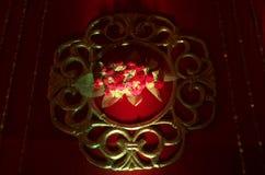 Um ofício criativo das flores na parede Fotografia de Stock Royalty Free
