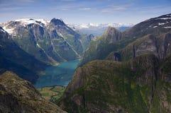 Um olhar de Colser do vale em forma de u de Noruega Foto de Stock Royalty Free